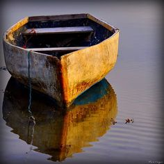 I am going to have to post some of pictures somewhere public. This boat just whispers. Old Boats, Small Boats, Boating Pictures, Row Row Your Boat, Float Your Boat, Boat Art, Boat Painting, Kayaks, Wooden Boats