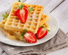 Each waffle is approx six grams of carbs. They taste very close to a regular waffle. Top with low calorie syrup or fruit. Protein Powder Recipes, High Protein Recipes, Protein Foods, Low Carb Recipes, Cooking Recipes, Whey Protein, Healthy Recipes, High Protein Low Carb, Low Carb Keto