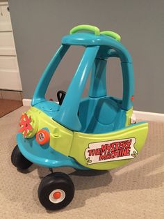 Scooby Doo Mystery Machine Cozy Coupe Make Over Little Tykes Car, Little Tikes Makeover, Cozy Coupe Makeover, Chibi, Diy Bebe, Future Baby, Diy For Kids, Diy Toys, Kids Playing