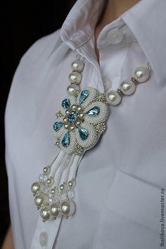Колье Kol 2014-3 - колье,бусы,Вышивка бисером,белый,голубой,колье с кристаллами