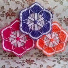 new-flywheel-fiber-models - Crochet Clothing 2019 - 2020 Crochet Dollies, Crochet Potholders, Crochet Pillow, Crochet Motif, Crochet Designs, Crochet Patterns, Crochet Kitchen, Crochet Home, Loom Blanket