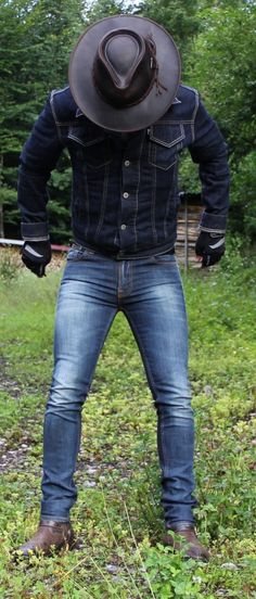 Great Levis and denim outfit with leather hat
