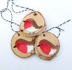 Wood Slice Robin Christmas Ornaments THREE Robin Redbreast Holiday Decoration, Rustic Robin Decorations Christmas Robin Ornament Handmade - Gemma Garcia Blanco - Welcome to the World of Decor! Wooden Christmas Decorations, Rustic Christmas Ornaments, Christmas Tree Crafts, Christmas Wood, Handmade Ornaments, Ornaments Ideas, Etsy Christmas, Glitter Ornaments, Bird Ornaments