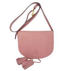 En Look and Stop este otoño apostamos por el color rosa en los complementos. ¿Has visto este #Loewe?