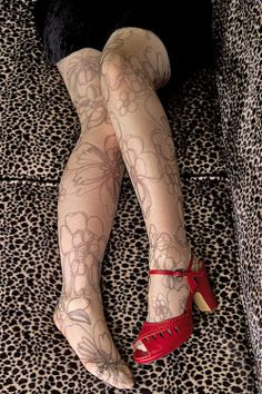 The first in a line of printed sheer tights from @Tabbisocks -- Avant Garden will have people asking if your legs are tattooed!