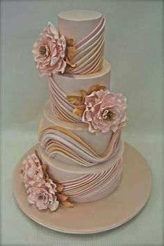 elegant pink flowers cake Reminds me of my grandmom- luv it for an 70-80th party