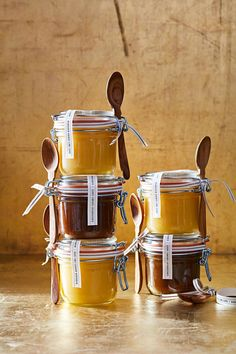 Looking for the perfect handmade present? Our DIY sundae sauces are hands-down winners every time. Edible Christmas Gifts, Edible Gifts, Handmade Christmas Gifts, Holiday Gifts, Hostess Gifts, Homemade Food Gifts, Diy Food Gifts, Homemade Sauce, Gourmet Food Gifts