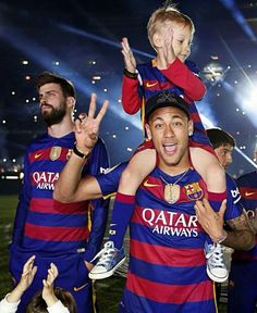 Camp Nou celebrates the double Fc Barcelona, Barcelona Soccer, Barcelona Players, Neymar Jr, Camp Nou, Good Soccer Players, Football Players, Real Madrid Players, Saints