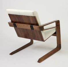 Beautiful chair. If you know the designer or a link. Please share.