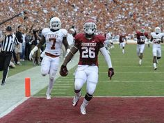 Damien Williams - 95 yard touchdown run against Texas
