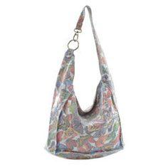 6066883d5ed16 Skórzana torebka worek zapinana na zamek ze wzorem w motyle
