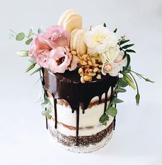 13 dirty frosted tall wedding cake with dark chocolate drip, macarons and ivory flowers - Weddingomania Naked Wedding Cake, Tall Wedding Cakes, Pretty Cakes, Beautiful Cakes, Amazing Cakes, Fancy Cakes, Mini Cakes, Cupcake Cakes, Bolo Floral