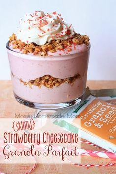 Mostly Homemade Mom: Skinny Strawberry Cheesecake Granola Parfait with Kashi!