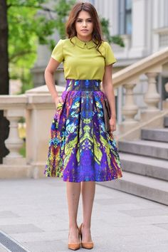 Looking for the most Stylish Ankara skirt styles? You're in luck. Here we have collected a few pictures of designs we think you would surely love. Tie Dye Outfits, Dress Outfits, Casual Dresses, Purple Skirt Outfits, Modest Fashion, Skirt Fashion, Fashion Dresses, Ankara Skirt, Dress Skirt