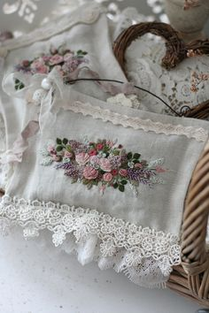 Flower Embroidery Designs, Rose Embroidery, Cross Stitch Embroidery, Cross Stitch Art, Cross Stitch Patterns, Scented Sachets, Crochet Quilt, Brazilian Embroidery, Sewing Stitches