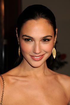Gal Gadot earrings