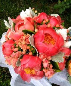 Love this for a spring/summer wedding.  coral peonies // sarah von pollaro