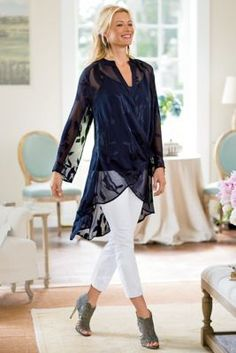 Customize your look in this Silk Convertible Shirt & Cami with strategically placed snaps to wear long and loose, draped at the shoulders or flowing from the waist. Fall Fashion 2016, 60 Fashion, Fashion Over 50, Womens Fashion, Fashion Trends, Mature Women Fashion, Plus Size Fashion For Women, Only Clothing, Evening Tops