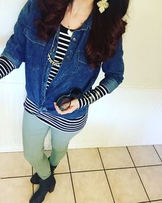 Cute fall/spring look.  Stripes hangout chambray, skinnies, booties... yes!!!  Get looks put together like this for you by your own stylist, click to sign up with Stitch Fix.  Best thing I ever did as a stay at home mom. ;)