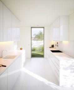 White Kitchen Jacinto Monteir