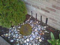 Garden Art From Junk | Garden Art *Yard Junk I Love** / a nice touch
