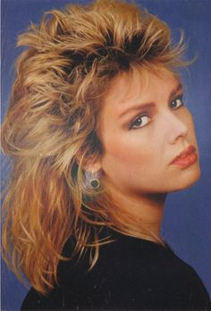 (You keep me hanging on). Music Pics, Music Photo, West London, Long Hair Cuts, Long Hair Styles, Kim Wilde, New Wave Music, Women Of Rock, Nostalgia