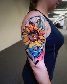 Colorful Sunflower Tattoo, Sunflower Tattoo Sleeve, Sunflower Tattoos, Sunflower Tattoo Design, Vine Tattoos, Sleeve Tattoos, Colored Tattoo Design, Tattoo Spirit, Tattoo Graphic