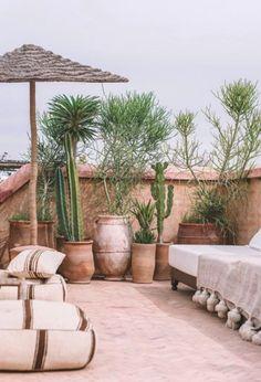 Patio Style– Expanding Your Residence Outdoors – Outdoor Patio Decor Moroccan Garden, Moroccan Home Decor, Moroccan Interiors, Marrakesh, Riad Marrakech, Outdoor Rooms, Outdoor Living, Outdoor Decor, Garden Inspiration