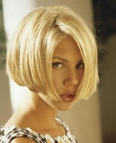 Classic straight bob: There is nothing like a timeless classic bob. You can wear it classic or change it to a modern look with just a few changes. It look stunning with almost