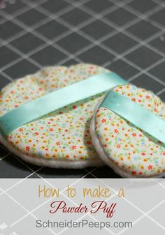 What is body powder with a powder puff? Messy, that's what. You can make a cute powder puff with scrap fabric and a little bit of time. It's a great beginner sewing project. Sewing Hacks, Sewing Tutorials, Sewing Crafts, Sewing Patterns, Sewing Ideas, Sewing Tips, Body Powder Puff, Fabric Scraps, Scrap Fabric