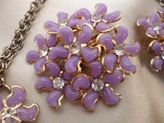 FLORAL LOVELYS Necklace and Earring Set Light by WaldportVintage