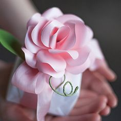 Use this pattern to make paper roses from your favorite papers like metallic paper, dictionary pages or sheet music.