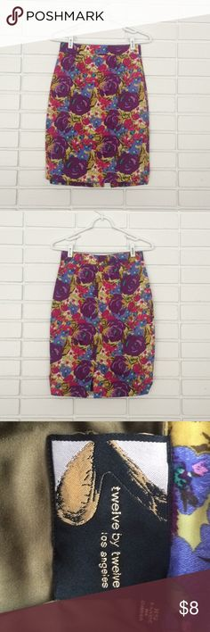 🌸Forever 21 (12X12 Brand) Floral Pencil Skirt🌸 🌸🌺Forever 21 (12X12 Brand) Floral Pencil Skirt🌺🌸 Size XS. Fair condition - slows slight wear, and bottom has manufacturing defect causing slight ruching on the sides, but not very noticeable. Super cute for spring with a fitted cable knit sweater! Forever 21 Skirts Pencil