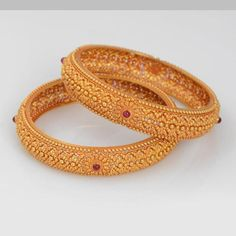 We've Brainstormed, You Benefit: The Best Jewelry Advice Is Here – Two Shop Girls Gold Bangles Design, Gold Jewellery Design, Hand Armband, Armband Rosegold, Gold Jewelry Simple, Bridal Jewelry, Fashion Jewelry, Jewelery, Jewellery Bracelets
