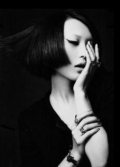 black-white-madness:  Madness:  Zhang Xu Chao