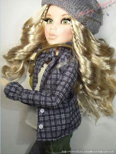 Hayden Liv Dolls, Doll Toys, Fashion Dolls, Doll Clothes, Dreadlocks, Hair Styles, Pretty, Beauty, Google Search