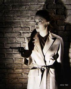 Film Noir Femme Fatale Gun  4bd0b32ac491