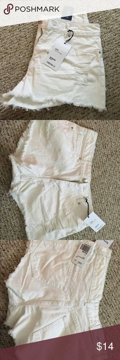 NWT forever 21 white Jean shorts Denim collection boyfriend shorts Forever 21 Shorts Jean Shorts