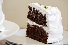 Innimellom er det store, høye kaker som er tingen å servere! Skikkelig saftige saker som