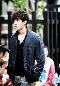 that's Kim Hyun-joong Asian Celebrities, Asian Actors, Korean Actors, Korean Dramas, Cute Korean Boys, Korean Men, Brad Pitt, Play Kiss, Beautiful Boys