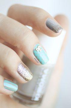 Pshiiit..... best of nail blog!  Khroma Nail polish and Hex Nail Jewelry