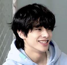 Beautiful Boys, Pretty Boys, Smile Icon, First Love Story, Fandom Kpop, Jake Sim, Baekhyun Chanyeol, Boy Pictures, Kpop Guys