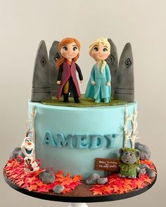 "For Frozen-loving kids, going ""Into the Unknown"" of a new age means a birthday celebration with friends and family that includes a delicious cake, Frozen Themed Birthday Cake, 6th Birthday Cakes, Frozen Theme Party, Birthday Cake Girls, Themed Cakes, Birthday Celebration, Disney Frozen Cake, Frozen 2, Disney Frozen Birthday"