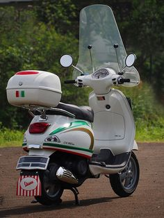 vespa lx150 #datass #tricolore #red white and green #piaggio scooter