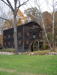 gristmills | Wolf Creek Grist Mill has 2 1/2 levels and is 32' deep and 48' wide.