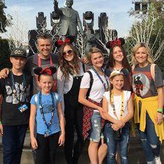 Mike & Bekka and family. Osmond Family, The Osmonds, Grandchildren, Old And New, Music, Fashion, Musica, Moda, Musik