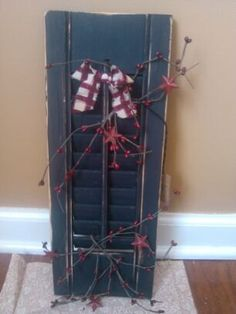 rustic shutter with country berries and stars by mexpo27 on Etsy, $12.00