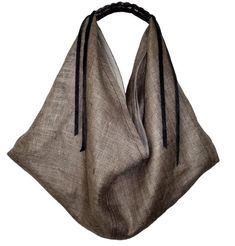 Vivre: Burlap Ella Hobo Bag by Skamandros > The Sophisticate > Bags Leather Working Patterns, Triangle Bag, Origami Bag, Diy Sac, Craft Bags, Linen Bag, Fabric Bags, Bag Making, Fashion Bags