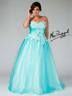 Plus Size Mac Duggal Prom Dress, If I was tan and brunet Id wear this!