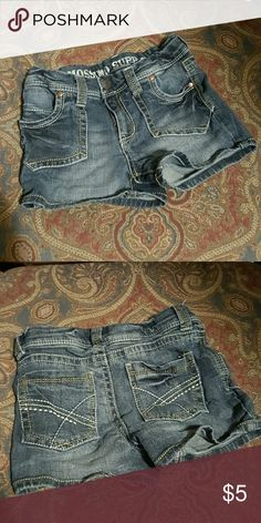 Mossimo Supply Co Denim Shorts M 7/8 Girls Denim shorts by Mossimo Supply Co. Size M 7/8 girls Mossimo Supply Co Bottoms Shorts